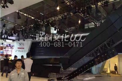 展台倒塌事件越来越多 南京车展展台倒塌事故
